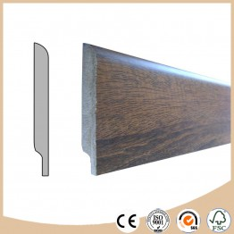 Baseboard moulding for laminate flooring